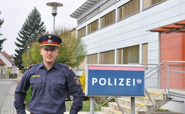 Mit Hilfe des Polizisten wurde der 45-Jährige gerettet.