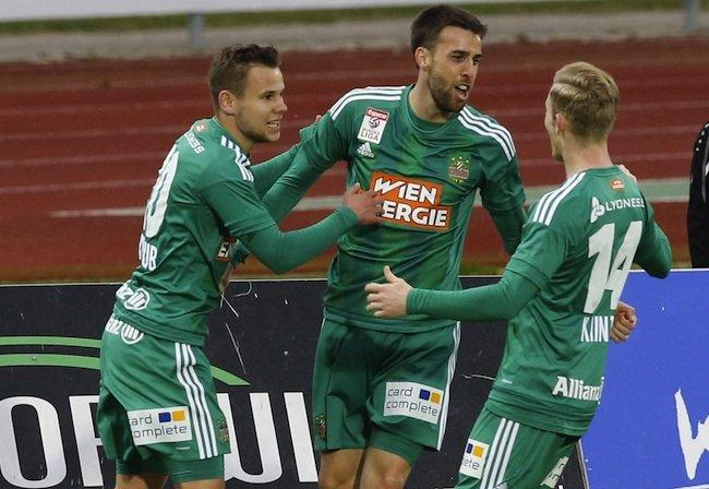 Tomas Esteban Correa Miranda (Mitte/SK Rapid Wien) jubelt über sein 1:0