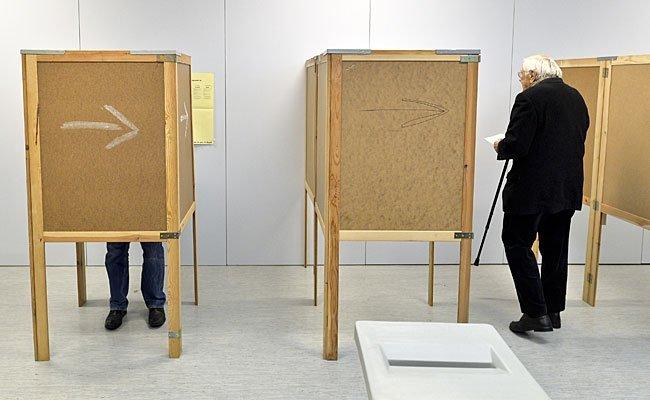 Einige Wahllokale haben bereits seit 6.00 Uhr Früh geöffnet