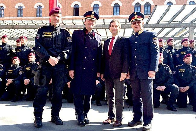 Bei der Präsentation der neuen Polizei-Sondereinheiten