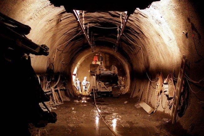 Ein Arbeiter wurde auf der Baustelle beim Semmeringbasistunnel schwer verletzt,
