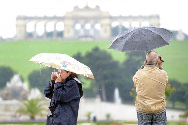 Das Pfingstwochenende wird wolkig und regnerisch.