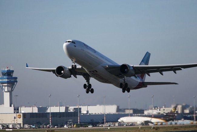Am Montag wurden alle Flüge vom Flughafen Köln/Bonn vom Terminal 1 gestoppt.