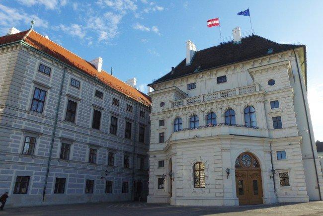 Die EU-Sozialminister und Kommissarin diskutieren in Wien.