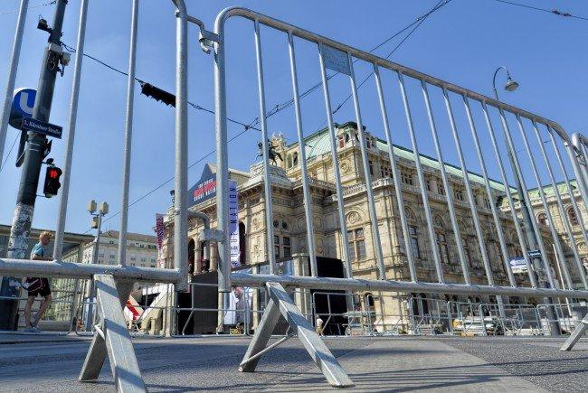 """Bei der ersten Kundgebung der Protestbewegung """"Nuit Debout"""" herrschte wenig Andrang."""