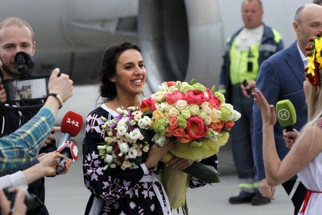 Jamala landet in Kiew nach ihrem Sieg beim Eurovision Song Contest 2016.