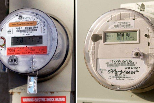 """Auf der linken Seite ein analoger Stromzähler, auf der rechten Seite ein """"Smart Meter""""."""