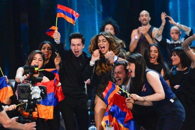 Iveta Mukuchyan zeigte allerdings die Flagge Bergkarabachs.