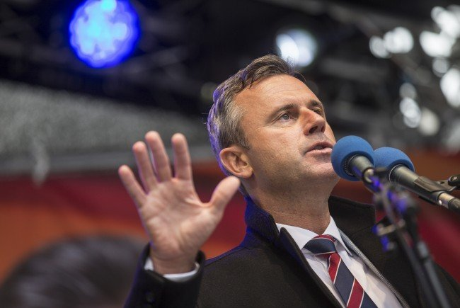BP-Kandidat Norber Hofer lehnt Kampfeinsatz Österreichs gegen den IS ab