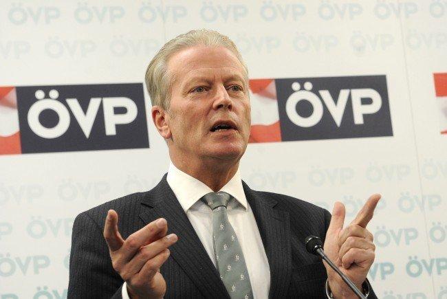 ÖVP-Chef Mitterlehner lässt über Ausrichtung der Partei konferieren