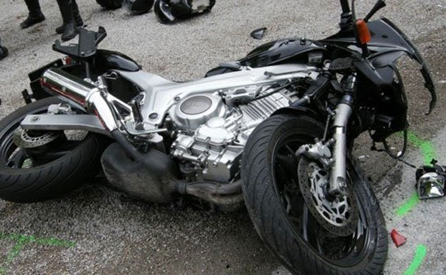 Mit einem Motorrad verunfallte ein Wiener mit seiner Nichte auf dem Sozius
