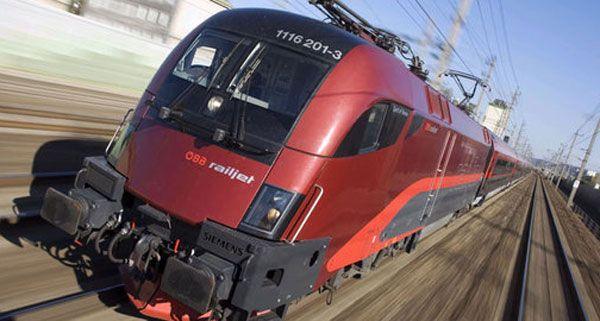 Auf der oberösterreichischen Westbahnstrecke ist am Mittwoch ein Zug entgleist.