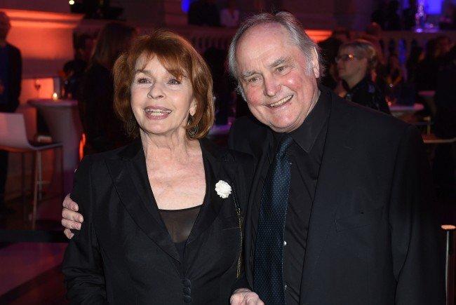 Schauspielerin Senta Berger mit ihrem Ehemann.