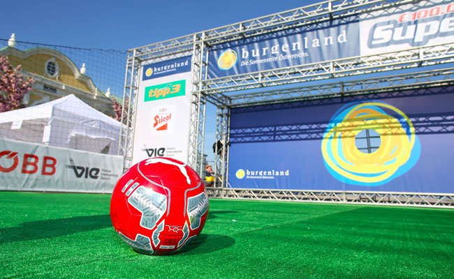 Nur wer Ballgefühl beweist, kann sich beim Supergoal-Event für das Finale qualifizieren.