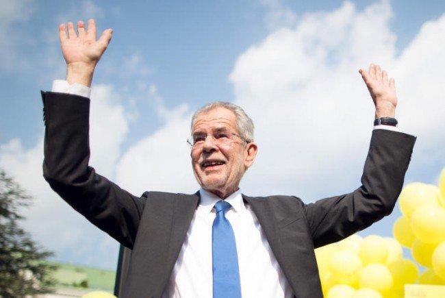 Die Hochrechner gehen davon aus, das Van der Bellen die Präsidentschaftswahlen gewinnt.