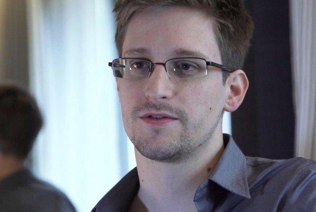 Die Theaterproduktion widmet sich Whistleblowern wie Edward Snowden.