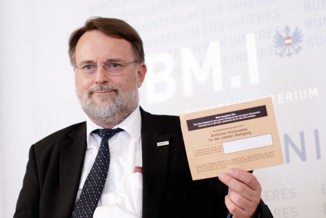 Wahlabteilungsleiter Robert Stein über Unregelmäßigkeiten bei der Briefwahl.