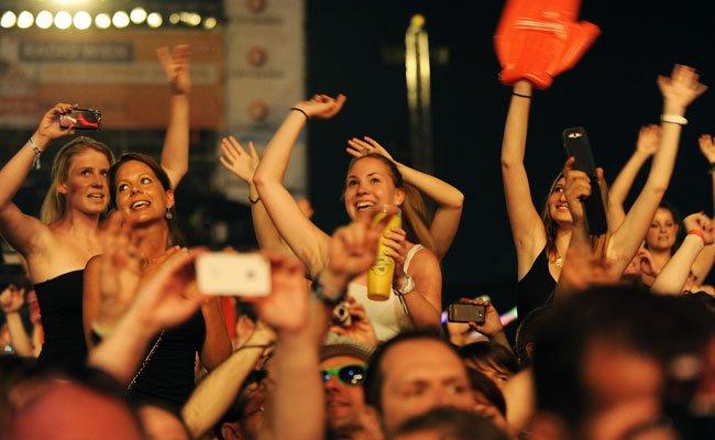 Auch bei den kleineren Bühnen des Donauinselfests wird ordentlich Stimmung gemacht.