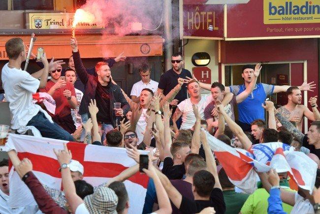 Englische Fans randalierten in Lille und lösten einen Polizeieinsatz aus.