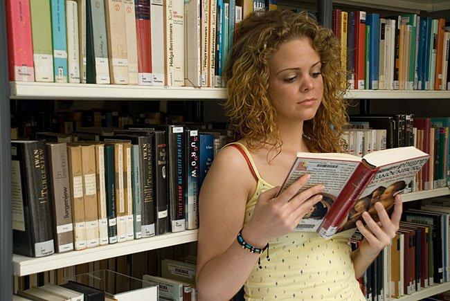 Die städtischen Büchereien widmen sich dem Thema EM