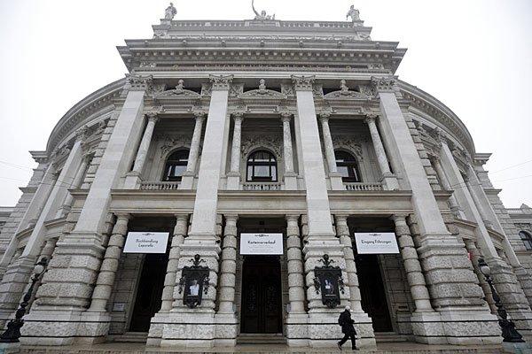 Urteil: Neun Monate bedingt für Griffe in Betriebsrat- und Sozialfonds des Burgtheaters