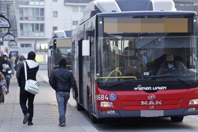 Erst die WEGA konnte den Fahrgast aus dem Bus holen.