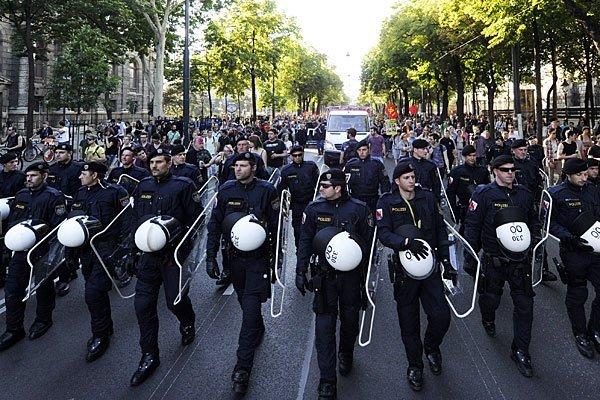 Die Polizei erhält mehr Befugnisse zur Terrorbekämpfung