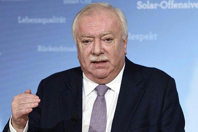 Bürgermeister Häupl verteidigt das Vorgehen der Wiener Stadtwerke.