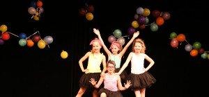 Kinder zeigen tänzerisches Talent