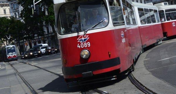 In Floridsdorf wurde ein Mann mit Schreckschusspistole in der Straßenbahn gesichtet.