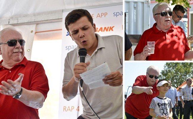 Bürgermeister Michael Häupl (L) am Freitag beim Donauinselfest