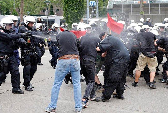 Diese Szenen ereigneten sich bei der Identitären-Demo in Wien