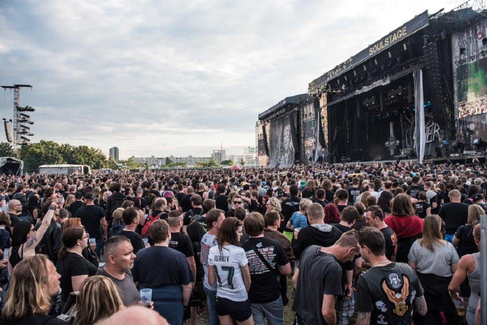 Die schönsten Bilder vom ersten Tag am Rock in Vienna 2016.
