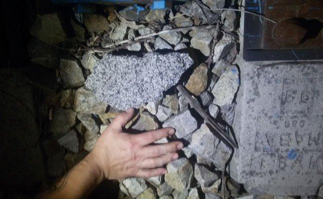 Kinder warfen in Döbling Steine von einem Hausdach