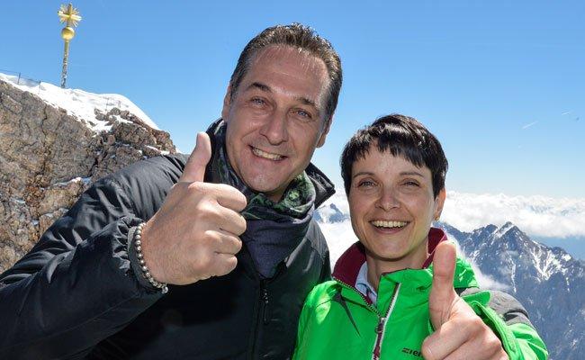 Die Spitzen der AfD und FPÖ trafen sich auf der Zugspitze