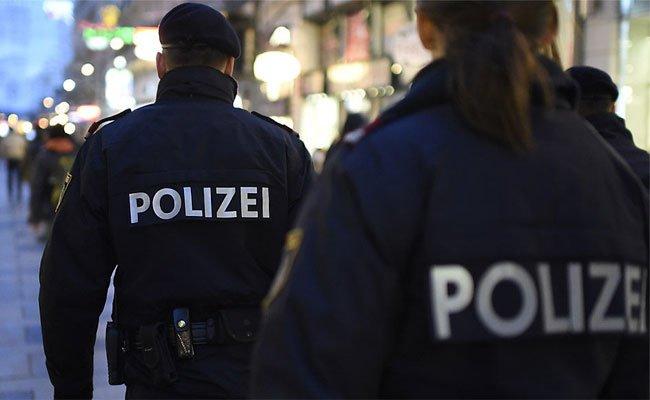 Die Polizei sucht nun nach dem 26-Jährigen.