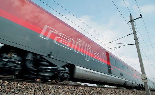 Der 25-Jähriger verschanzte sich in einem Zug Richtung Salzburg.