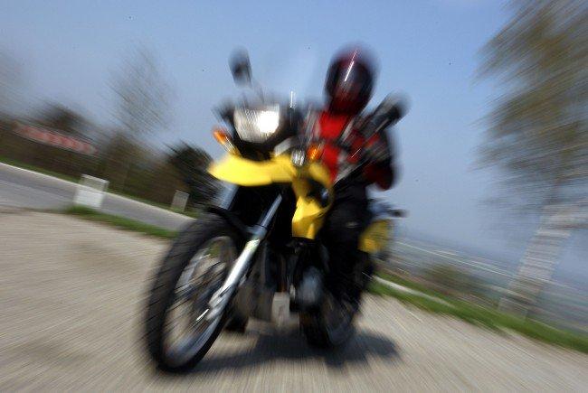 Drei Motorradfahrer verloren zwischen Freitagnachmittag und Samstagfrüh auf Niederösterreichs Straßen ihr Leben.