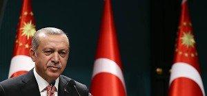 Erdogan per Dekret gegen Gegner – Massenfestnahmen dauern an