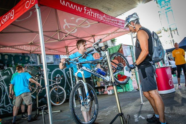 Beim Radlertreff am Donaukanal wird Radfahrern einiges geboten
