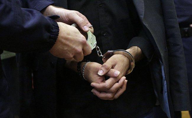 Das verdächtige Duo wurde in der Bahnhofshalle festgenommen.