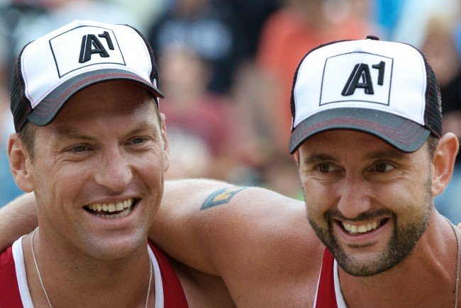 Alexander Horst (l.) und Clemens Doppler als Lokalmatadoren beim Beach Volleyball Major in Klagenfurt.