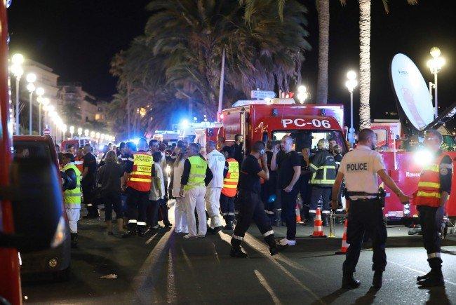 Ein Lkw-Lenker fuhr in Nizza in die Menschenmassen.