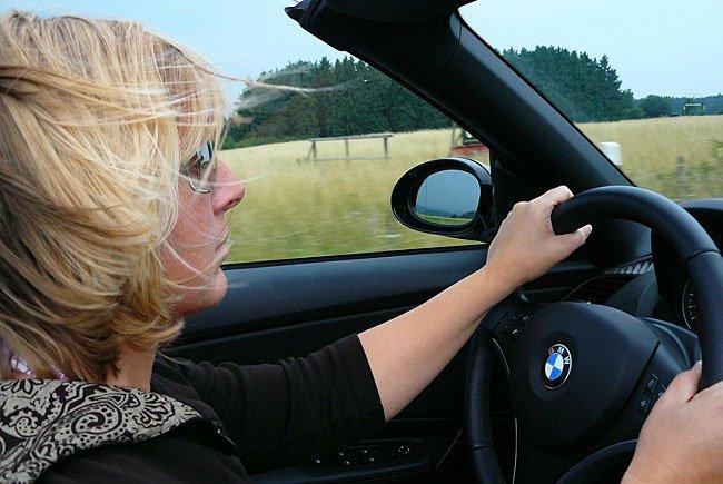 Wer mit dem Auto in die Nachbarländer auf Urlaub fährt, muss einiges beachten