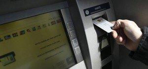 Reise-Tipps: Bargeld vom Bankomaten kann im Urlaub teuer werden