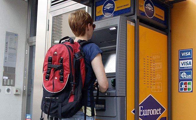 Die US-Firma Euronet, die in Österreich knapp 70 Geldausgabeautomaten betreibt, verlangt seit kurzem pro Abhebung 1,95 Euro.