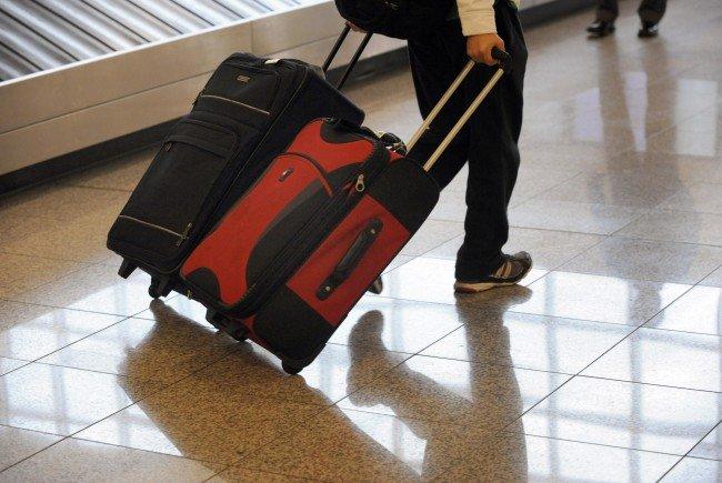 Ein 72-jähriger Österreicher wurde am Hamburger Flughafen wegen einer verbotenen Waffe angezeigt