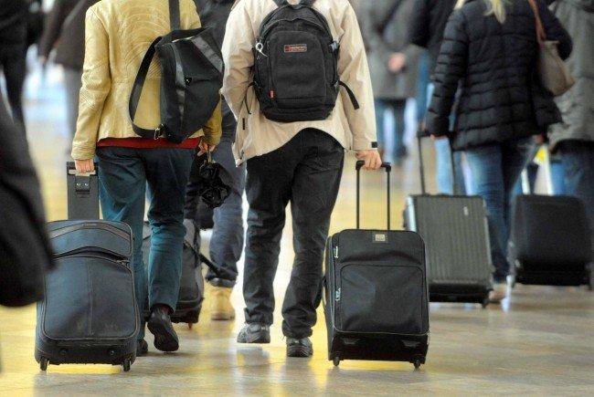 Was darf man auf Flugreise im Handgepäck mitnehmen? Fragen und Antworten zu Thema