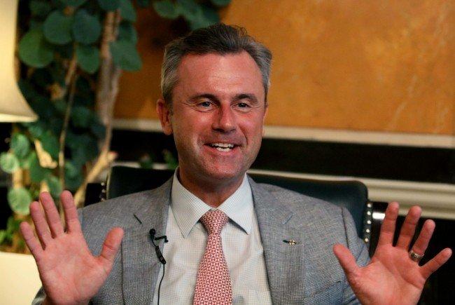 BP-Kandidat Norber Hofer ist nun nicht für eine EU-Austritt Österreichs