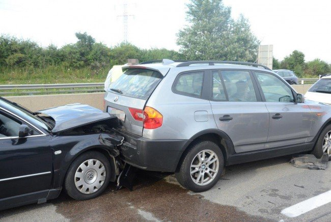 Eine Unfallserie auf der A1 sorgte für Stau und Verletzte